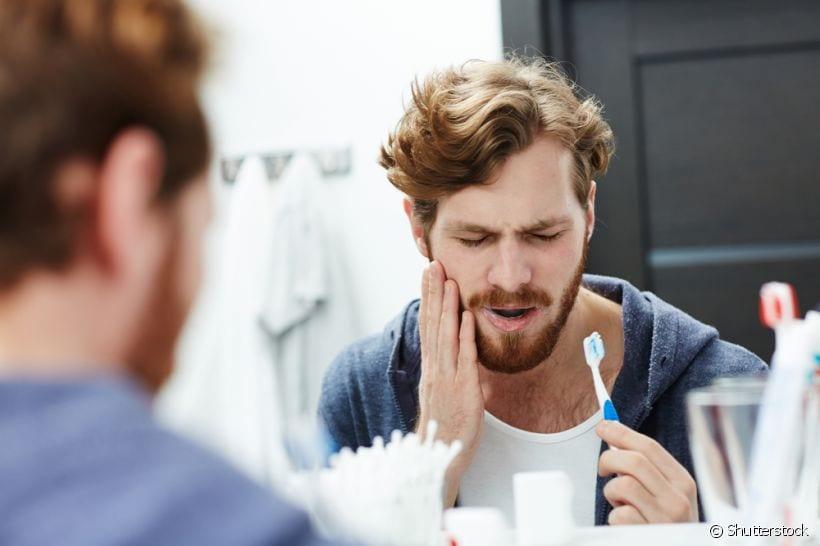 Conheça os riscos da erosão dentária